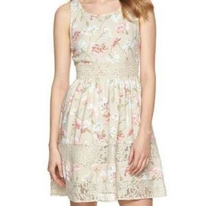 Lauren Conrad Floral Lace Dress Sz 6
